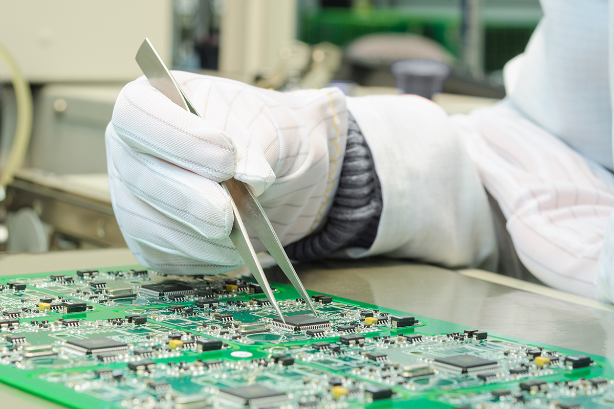 PCB Assembly - Quality control and assembly SMT printed components